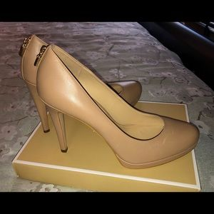 Michael Kors pumps, size 10